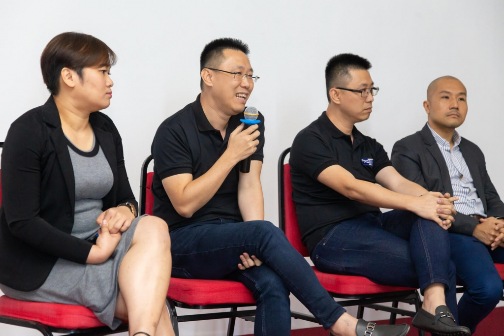 Guide To How You Can Export Cost Effectively 2019- panelist from Transcargo answering questions